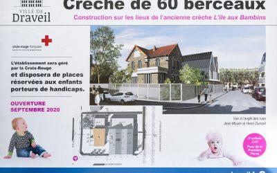 Pose de la première pierre pour la (re)construction d'une crèche Croix-Rouge à Draveil